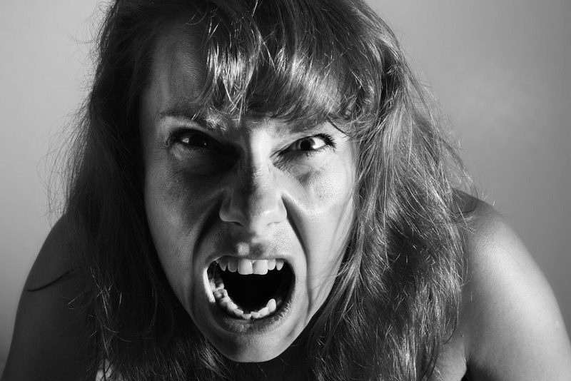 hysterická frigídna žena